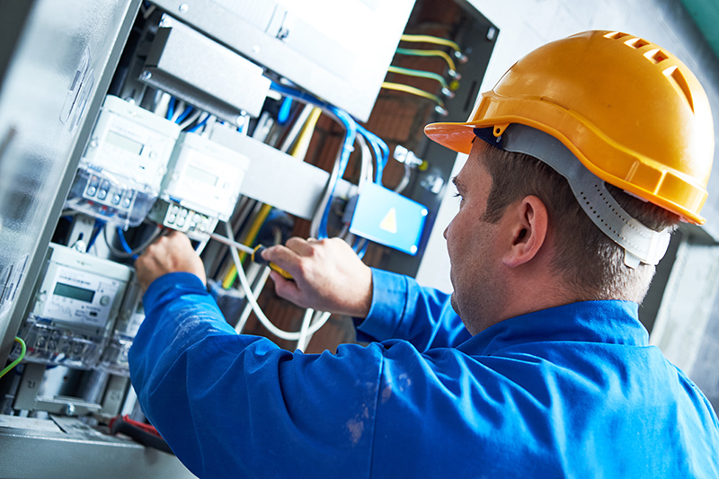 Become An Electrician in Loughborough Leicestershire