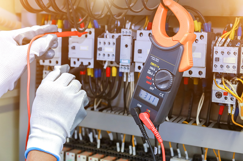 How To Become An Electrician in Loughborough Leicestershire